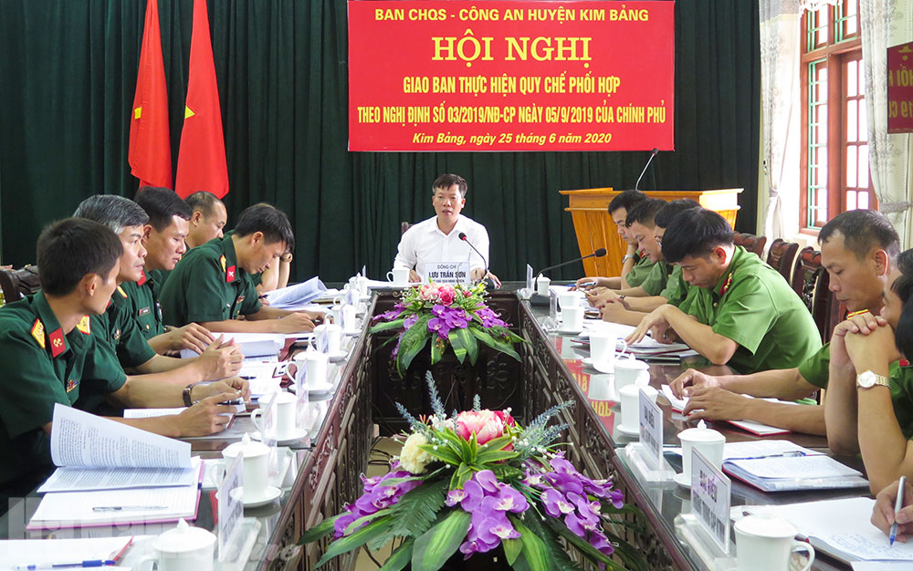Ban CHQS  Công an huyện Kim Bảng giao ban đánh giá kết quả phối hợp