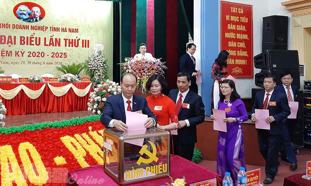 Đại hội đại biểu Đảng bộ Khối Doanh nghiệp tỉnh lần thứ III