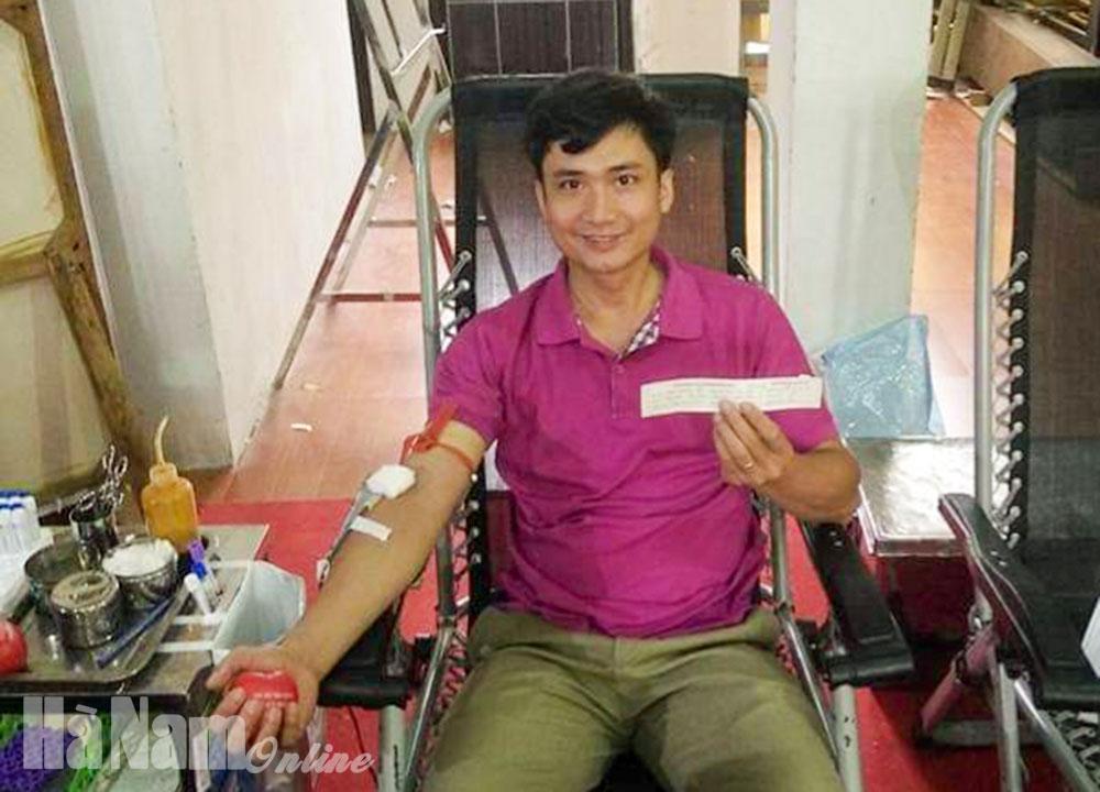 Thầy giáo 16 lần tham gia hiến máu tình nguyện