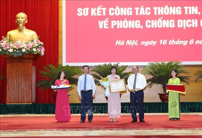 Thủ tướng Nguyễn Xuân Phúc Làm tốt hơn nữa truyền thông về vừa chống dịch vừa phát triển kinh tế