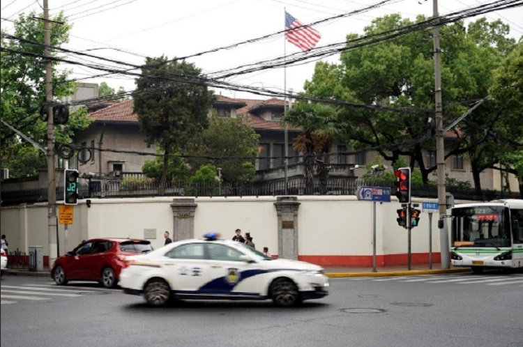 Bất đồng về cách ly Mỹ hoãn đưa các nhà ngoại giao trở lại Trung Quốc