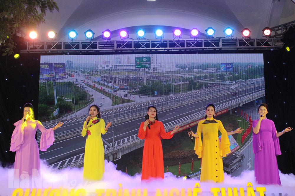 Chương trình nghệ thuật chào mừng thành công Đại hội Đảng bộ thành phố Phủ Lý lần thứ XXIII