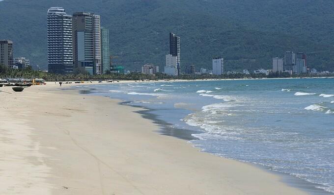 Đà Nẵng cấm tắm biển