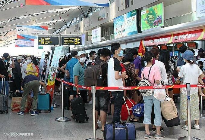 Hàng không tăng chuyến giải tỏa khách ở Đà Nẵng