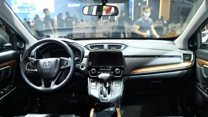 Lăn bánh Honda CRV lắp ráp trong nước tốn bao nhiêu