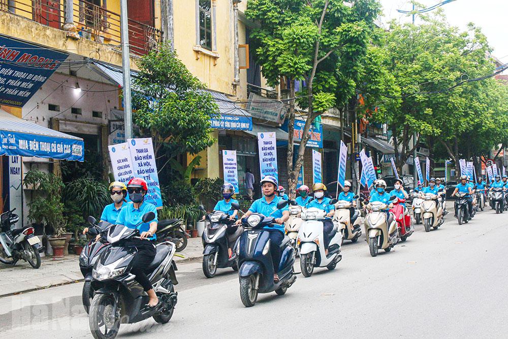 Lễ ra quân hưởng ứng Ngày Bảo hiểm y tế Việt Nam