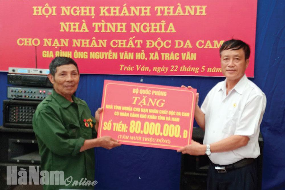 Quan tâm chăm lo đời sống nạn nhân chất độc da camdioxin ở Duy Tiên
