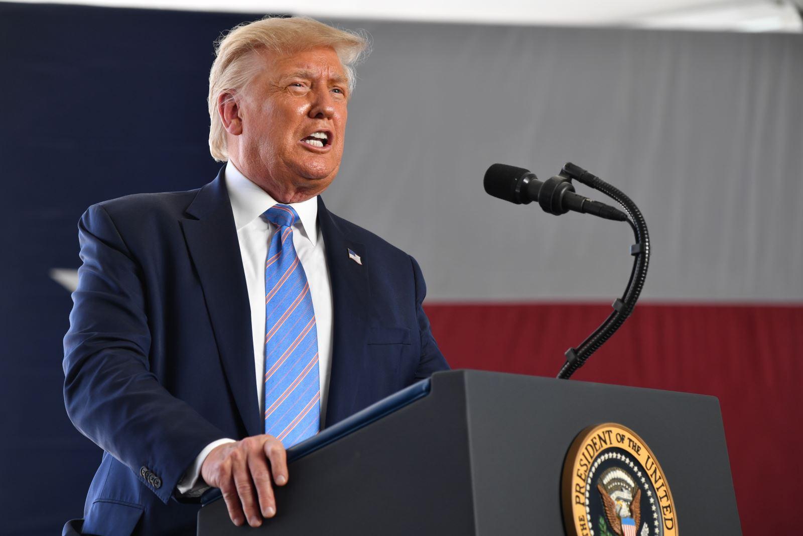 Ý tưởng hoãn bầu cử của Tổng thống Trump không khả thi vì rào cản Hiến pháp