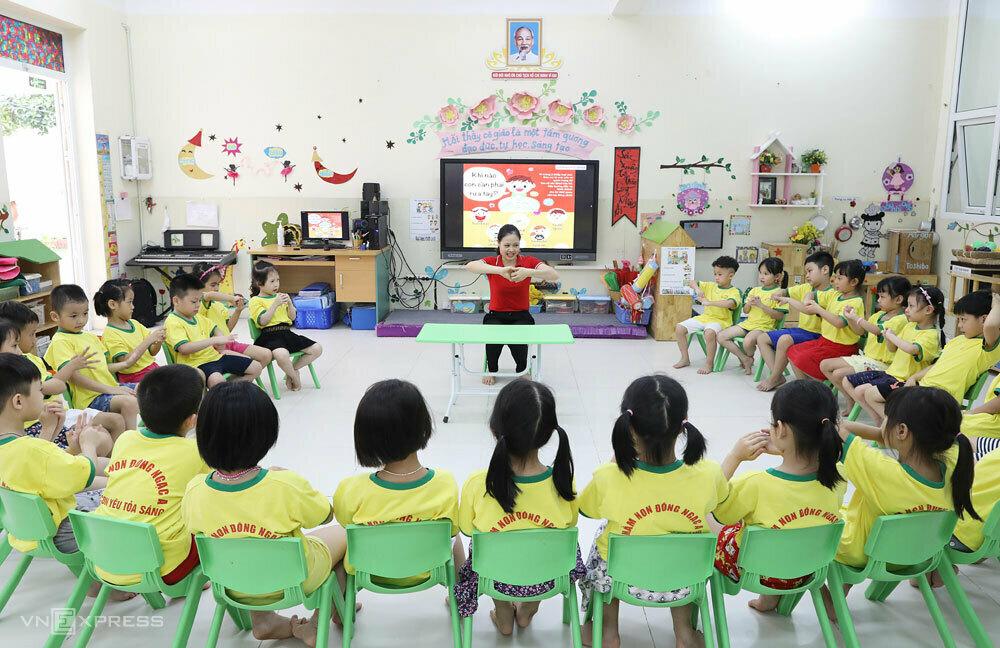 Số trẻ tối đa trong một lớp mẫu giáo 5 tuổi không quá 35