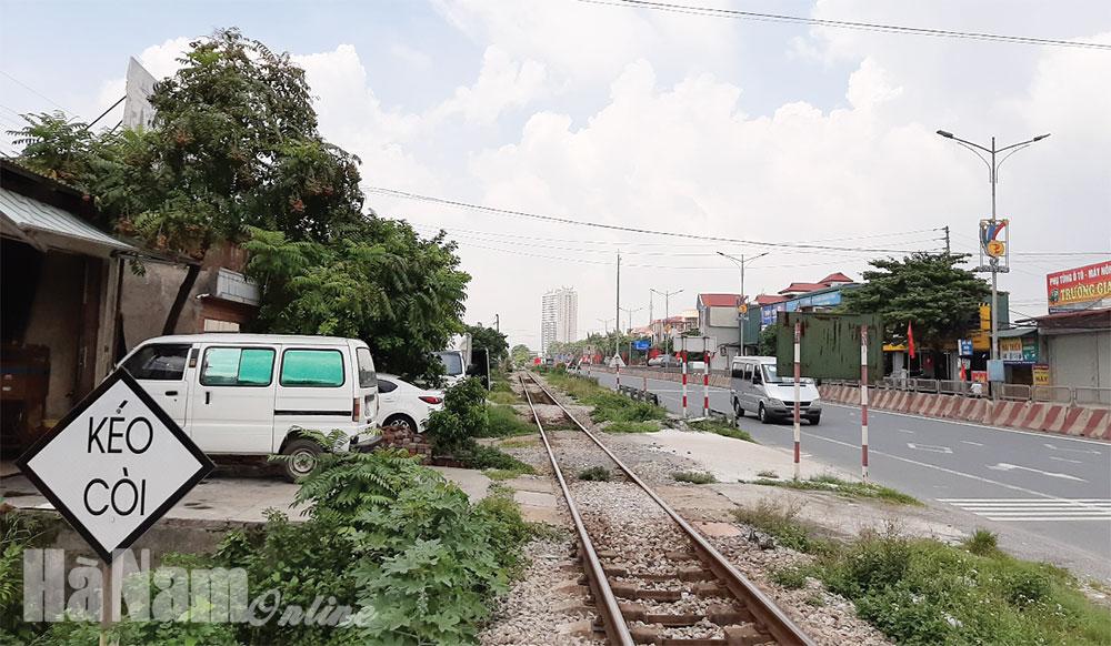 Tập trung giải tỏa vi phạm hành lang an toàn giao thông đường sắt