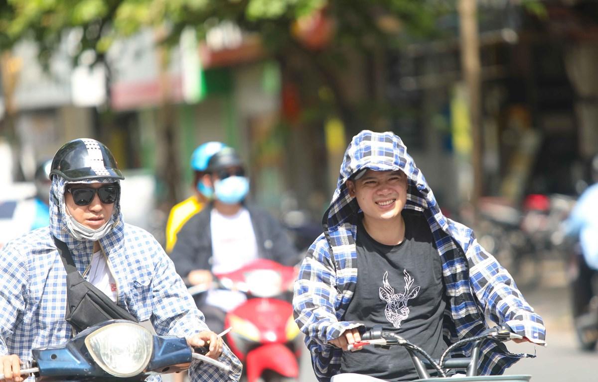Trung Bộ nắng nóng diện rộng Hà Nội có nơi trên 36 độ C