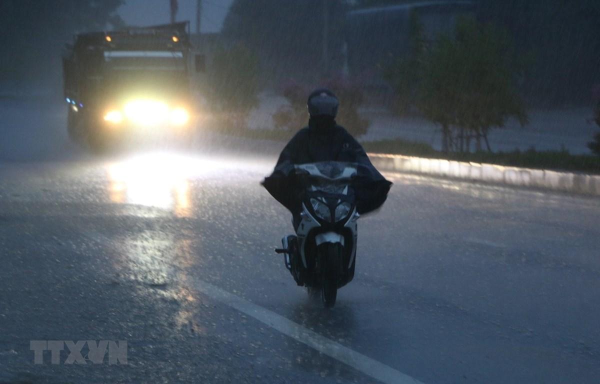 Cả nước mưa dông đề phòng khả năng xảy ra lốc sét và mưa đá