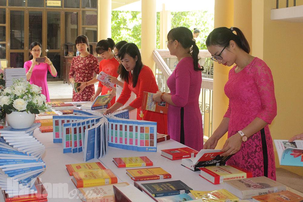 """Có 3600 bài dự cuộc thi """"Tìm hiểu lịch sử văn hóa Hà Nam"""""""