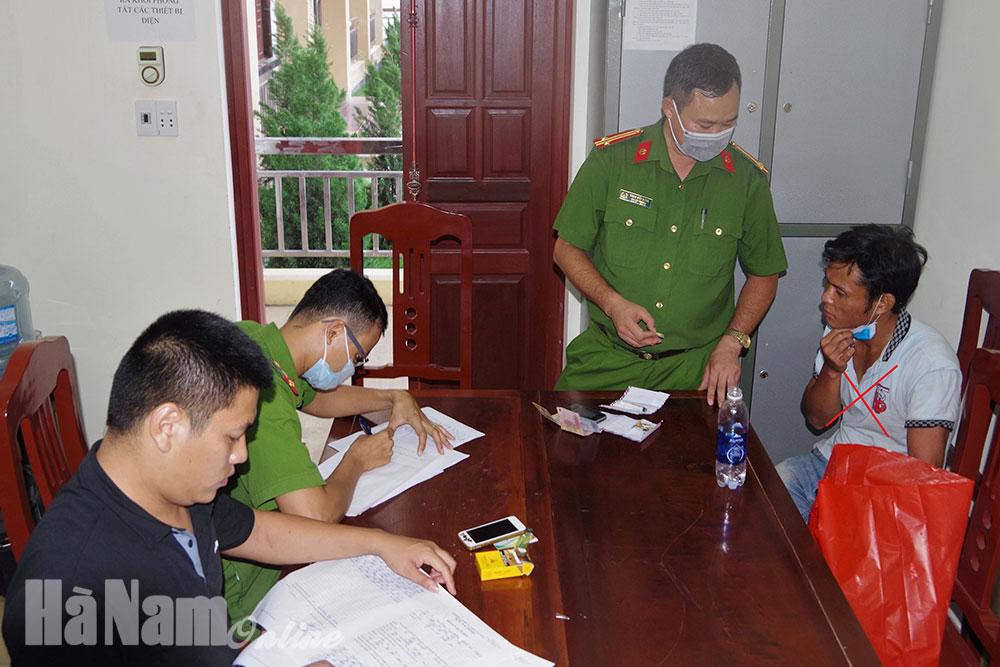 Công an xã Thanh Sơn Bắt đối tượng tàng trữ ma túy