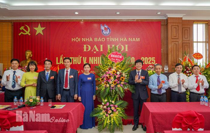 Đại hội Hội Nhà báo Việt Nam tỉnh Hà Nam lần thứ V nhiệm kỳ 20202025 thành công tốt đẹp