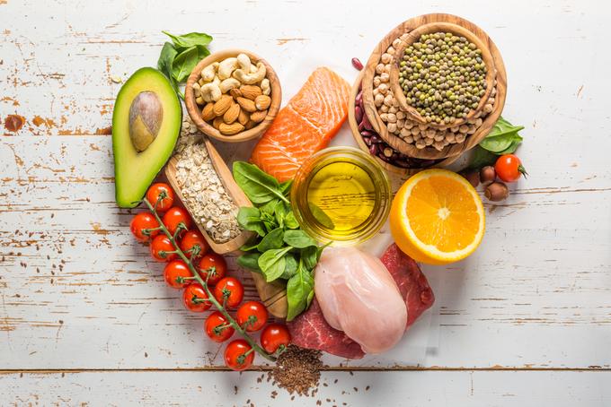 Dinh dưỡng hợp lý hạn chế nóng trong người