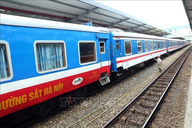 Hành khách mua vé tàu Tết Tân Sửu 2021 cần có giấy tờ gì