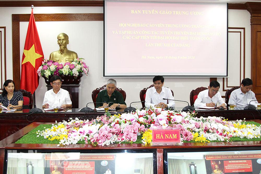 Hội nghị báo cáo viên và tập huấn công tác tuyên truyền đại hội đảng các cấp