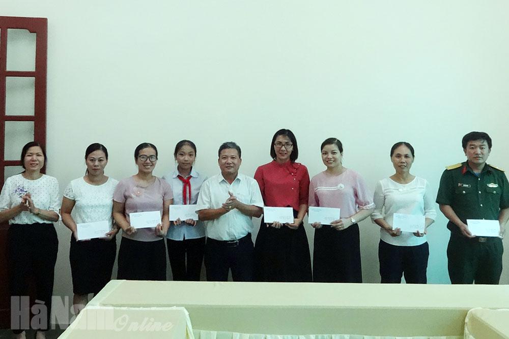 """Kim Bảng tổng kết trao giải cuộc thi viết """"Tìm hiểu lịch sử văn hóa Hà Nam"""" năm 2020"""