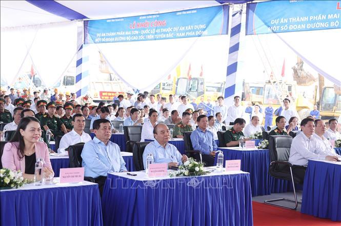 Thủ tướng Nguyễn Xuân Phúc phát lệnh khởi công cao tốc Mai Sơn  Quốc lộ 45
