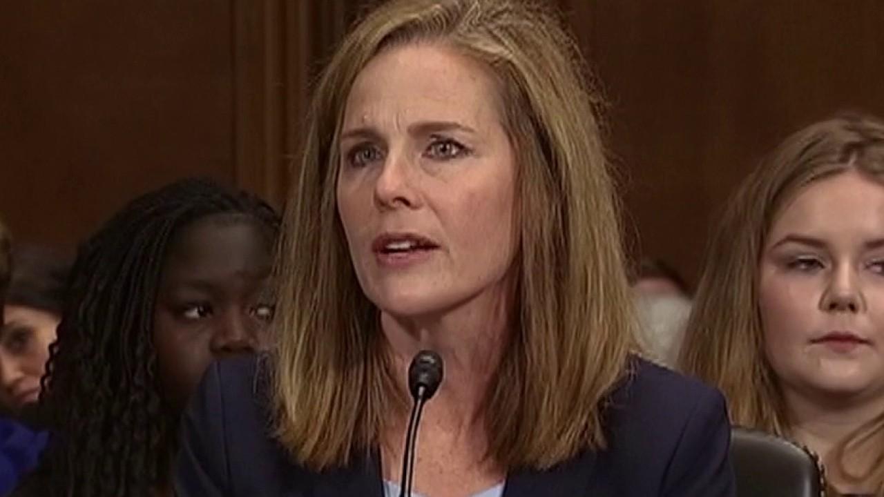 Tổng thống Trump đề cử bà Amy C Barrett làm Thẩm phán Tòa án Tối cao Mỹ Thượng viện bỏ phiếu giữa tháng 10