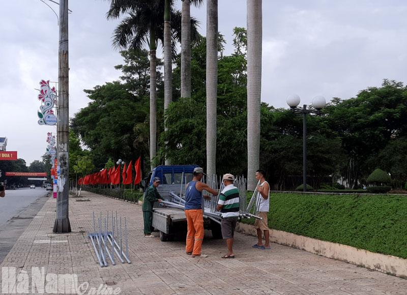 Trên 140000 cụm mô hình vi nhét pano khẩu hiệu cờ các loại tuyên truyền về Đại hội Đảng bộ tỉnh lần thứ XX nhiệm kỳ 20202025