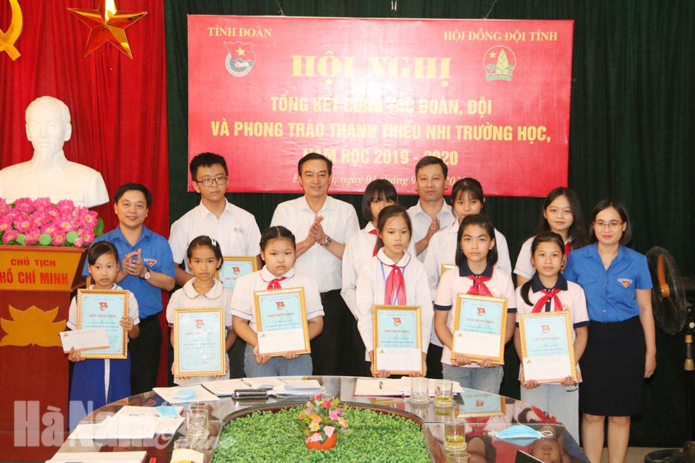 Triển khai công tác Đoàn Đội và phong trào thanh thiếu nhi trường học năm học 20202021