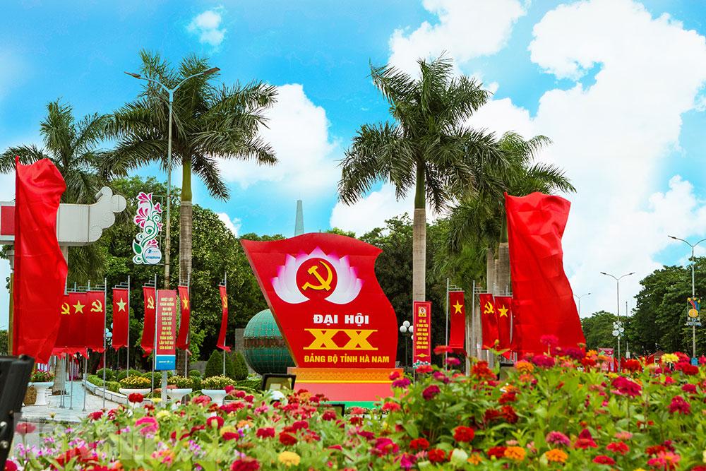 Tưng bừng không khí chào mừng Đại hội Đảng bộ tỉnh