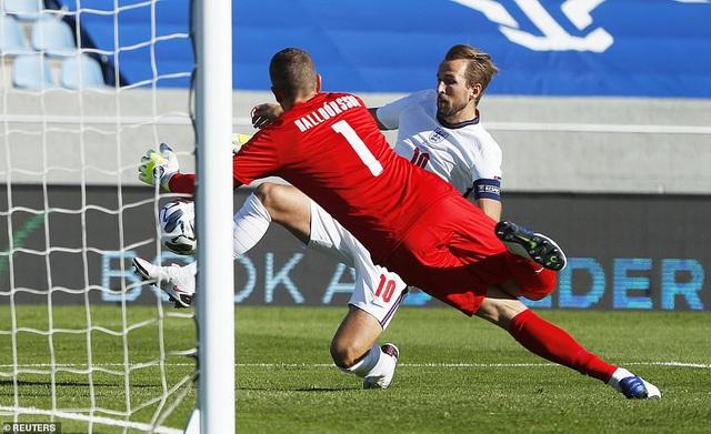 Tuyển Anh thắng Iceland nhờ quả phạt đền ở phút bù giờ