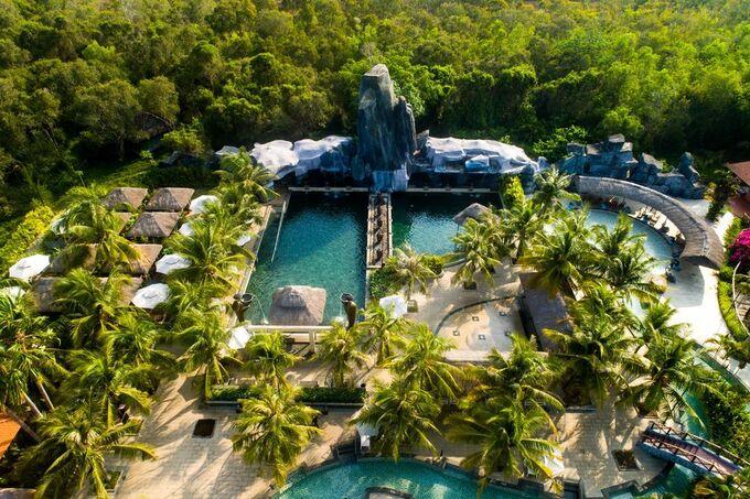 4 khu nghỉ dưỡng suối khoáng nóng hút khách