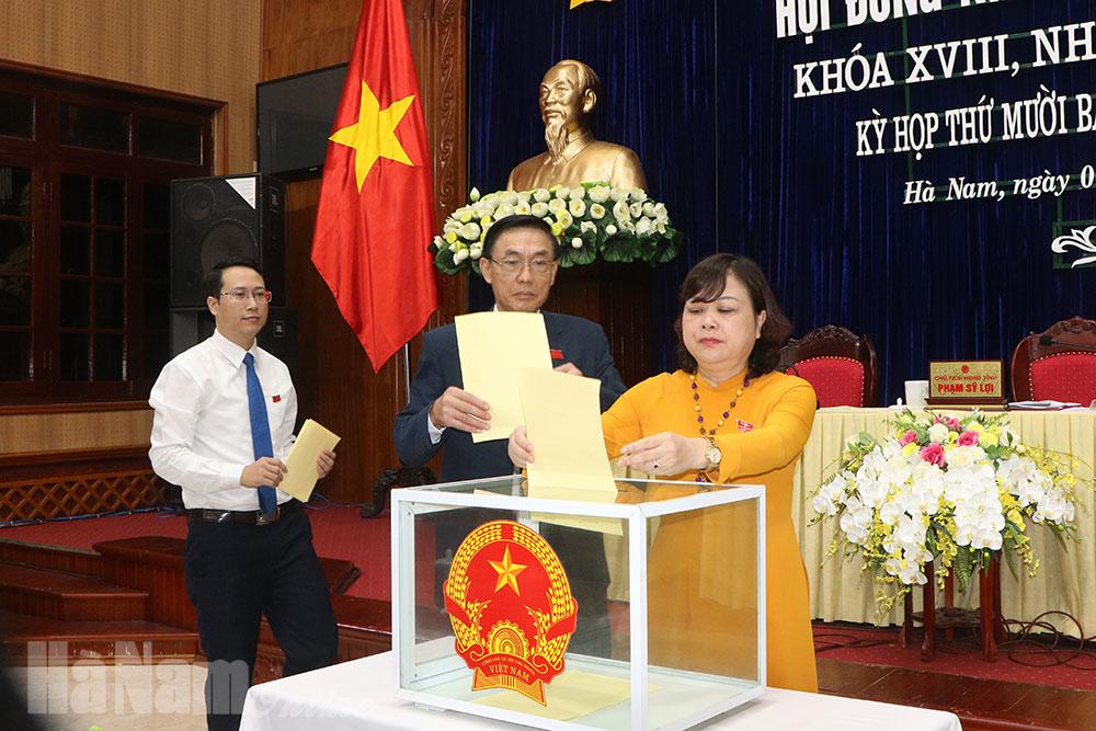 Kỳ họp thứ 17 HĐND tỉnh Kiện toàn các chức danh do HĐND tỉnh bầu