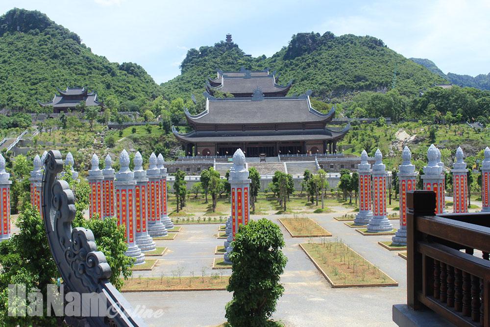 Nhận diện thương hiệu Khu du lịch văn hóa tâm linh chùa Tam Chúc