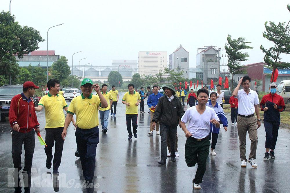 Phát động ngày chạy Olympic vì sức khỏe toàn dân