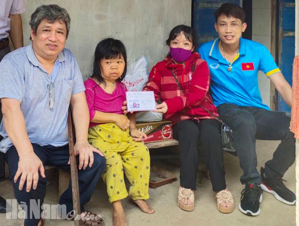 Tấm lòng nhân ái của người con xa quê