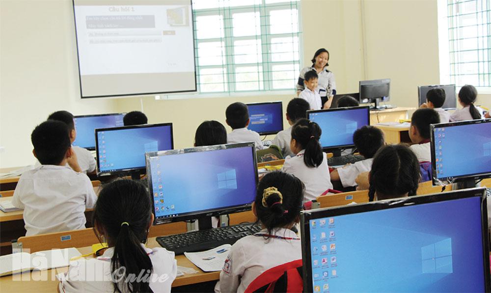 Tăng cường đầu tư phát triển giáo dục
