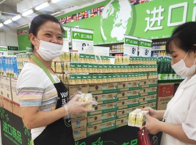Thương hiệu sữa đầu tiên của Việt Nam có mặt trên kệ hàng Walmart